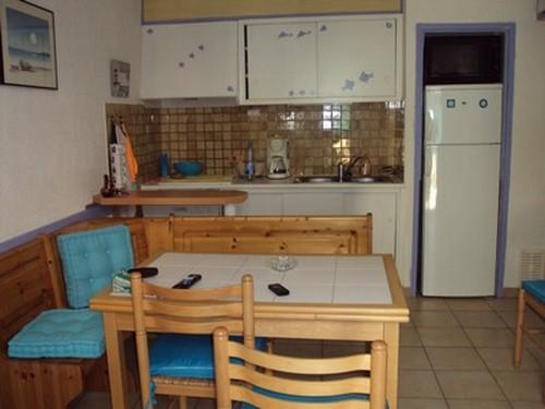 Location De Particuliers à Particuliers Loue Appartement Bord De Mer,  Quartier Du Grazel à Proximité
