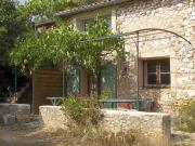 Location gîte, chambres d'hotes Chambre d'hôte en Provence, en pleine colline provençale dans le département Bouches du rhône 13