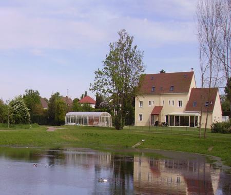 G te avec piscine couverte chauff e entre cabourg - Gite piscine interieure normandie ...