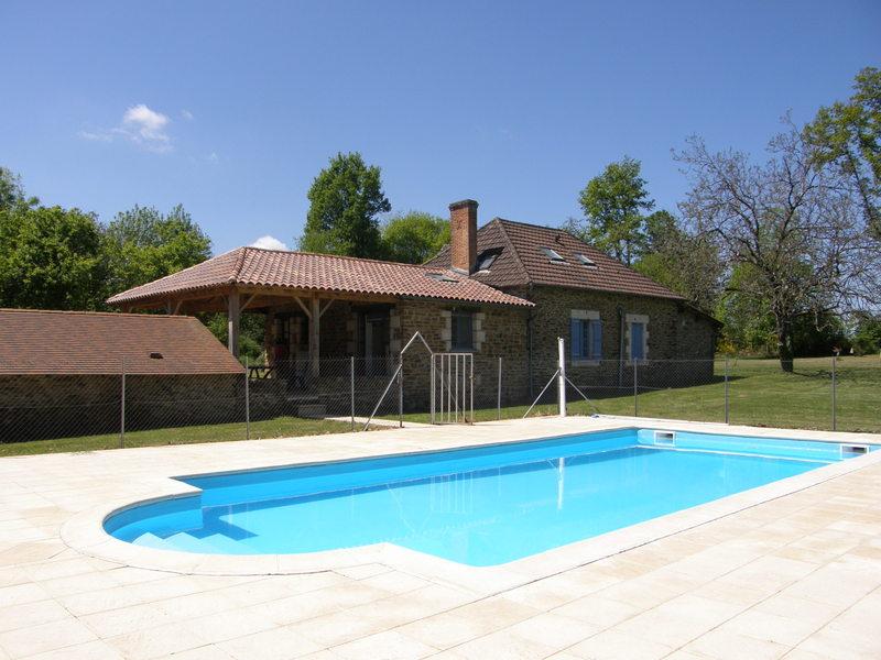exceptionnel Jolie fermette avec piscine pour 2-10 p. Parc Naturel Régional Périgord- Limousin - Gîte à Saint Jory de Chalais, Aquitaine, Dordogne