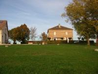 Location gîte, chambres d'hotes Chambres et tables d'hôtes près de Moissac, piscine intérieur/extérieur avec sauna dans le département Tarn et Garonne 82