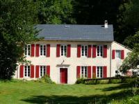 Location gîte, chambres d'hotes La Pommeraie de Couloubrac à Lacaune avec magnifique vue sur les lacs dans le département Tarn 81