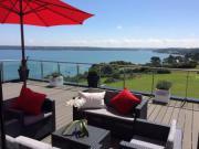 Location gîte, chambres d'hotes Magnifique maison moderne vue mer imprenable!  dans le département Finistère 29