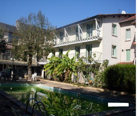 Location De Particuliers à Particuliers HOTEL LES 2G PISCINE , à 5KMS De  Brive La Gaillarde