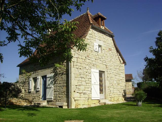 Maison Quercynoise A Proximite De Rocamadour Sur   Issendolus