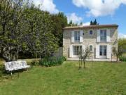 Location gîte, chambres d'hotes Maison de charme au coeur de la Provence dans le département Vaucluse 84