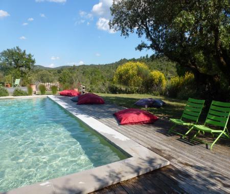 G te avec piscine pr s de pompignan dans le gard pompignan for Camping dans le gard avec piscine