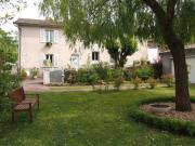 Location gîte, chambres d'hotes Maison GUILLON-KOPF Semur en Brionnais, à 2 pas du centre historique dans le département Saône et Loire 71