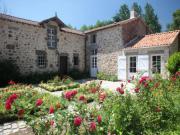Location gîte, chambres d'hotes Grand gîte 4 étoiles en Vendée pour 10 personnes proche Les sables d'Olonne -  dans le département Vendée 85