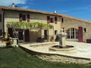 Location gîte, chambres d'hotes La Petite Campagne, vieux mas provençal dans le département Alpes de haute provence 4