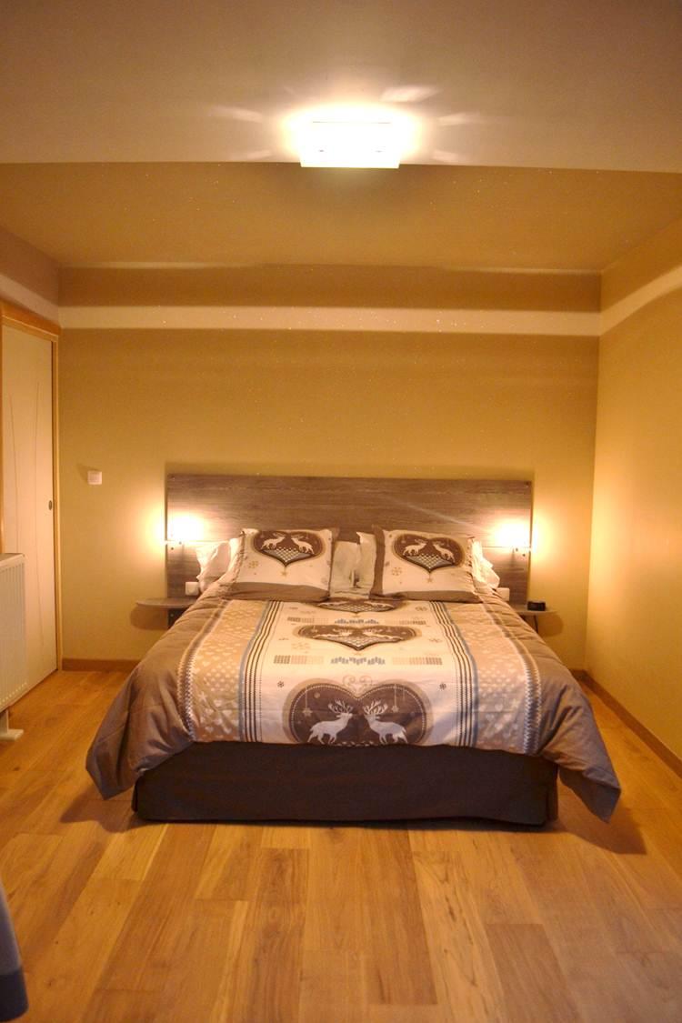 chambre d 39 h tes cierrey la maison des cierrey. Black Bedroom Furniture Sets. Home Design Ideas