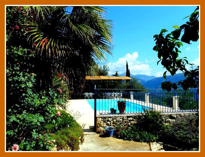 Villa Avec Piscine Et Jardin Dans L Arriere Pays A Le Broc