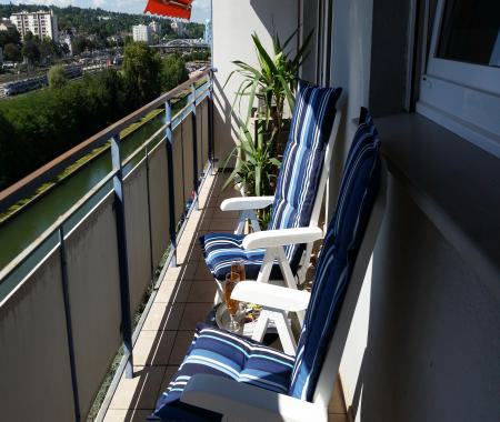 gite mulhouse avec terrasse vue sur le canal mulhouse. Black Bedroom Furniture Sets. Home Design Ideas