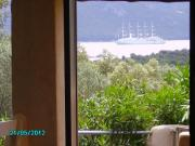 Location gîte, chambres d'hotes APT F3 REZ DE JARDIN PISCINE VUE MER dans le département Corse du Sud 2a