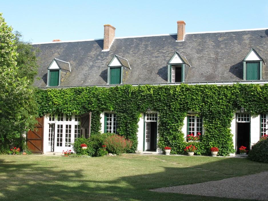 Chambre d 39 h te avec piscine et tennis tauxigny for Chambre agriculture indre et loire