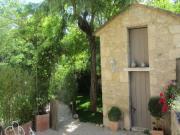 Location gîte, chambres d'hotes Gite de vacances -  Luberon – Ménerbes dans le département Vaucluse 84