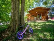 Location gîte, chambres d'hotes Chalet dans camping haut de gamme près de Toulouse dans le département Haute garonne 31