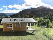 Location gîte, chambres d'hotes Gite Le Panoramique,  vue dominante sur la vallée de la Dumbéa dans le département Nouvelle Calédonie 988