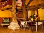 """Location gîte, chambres d'hotes Gite""""Le Pressoir""""à Jons 20 km Est de Lyon  dans le département Rhône 69"""