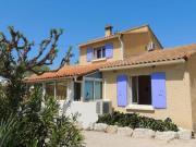 Location gîte, chambres d'hotes Chambre d'hôte en rez de jardin climatisée avec piscine dans le département Vaucluse 84