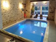 Location gîte, chambres d'hotes Gîte indépendant avec Piscine intérieure dans le département Vendée 85