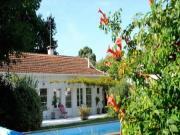 Location gîte, chambres d'hotes LA VILLA SAINTE CATHERINE, proche port ostréicole, plages du bassin dans le département Gironde 33