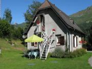 """Location gîte, chambres d'hotes GITE """"LE CHENE"""" A LA MONTAGNE 800M d'altitude dans le département Hautes Pyrénées 65"""