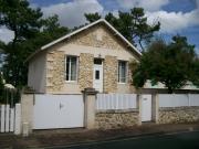 Location gîte, chambres d'hotes Ile d'Oléron, belle maison St trojan les bains, vue mer, proche pied plage dans le département Charente maritime 17