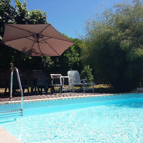 gite l 39 oustal avec piscine en sud aveyron saint juery. Black Bedroom Furniture Sets. Home Design Ideas