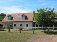 Location gîte, chambres d'hotes Gite les petites casnieres, circuit des 24H du Mans, proximité golf 18 trous  dans le département Sarthe 72