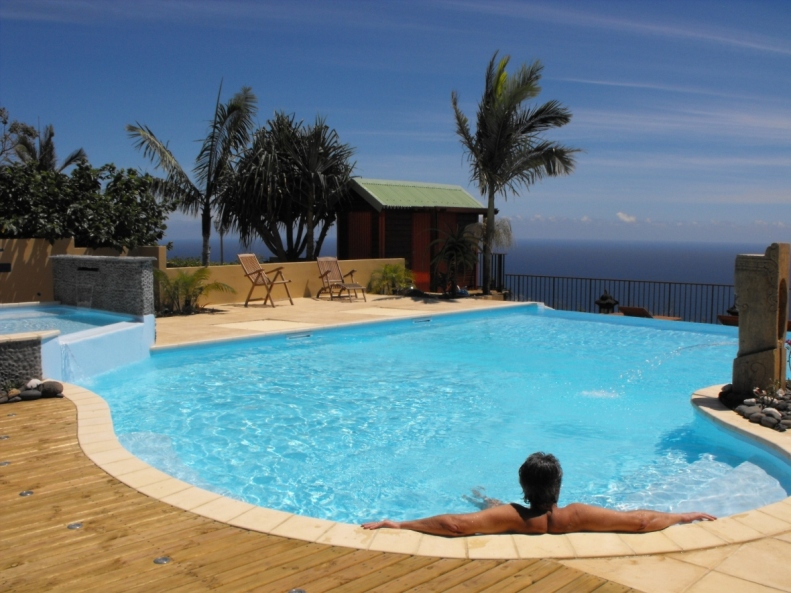 le gu tali charme et confort piscine et spa piton saint leu. Black Bedroom Furniture Sets. Home Design Ideas