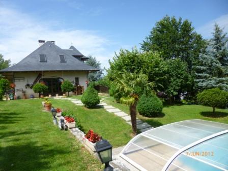 Maison d 39 h tes lac du bourget avec piscine les aix for Piscine du lac tours tarif