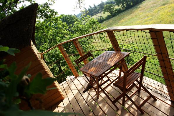 Brin de chevrette cabanes dans les arbres - Chambre d hote cabane dans les arbres ...