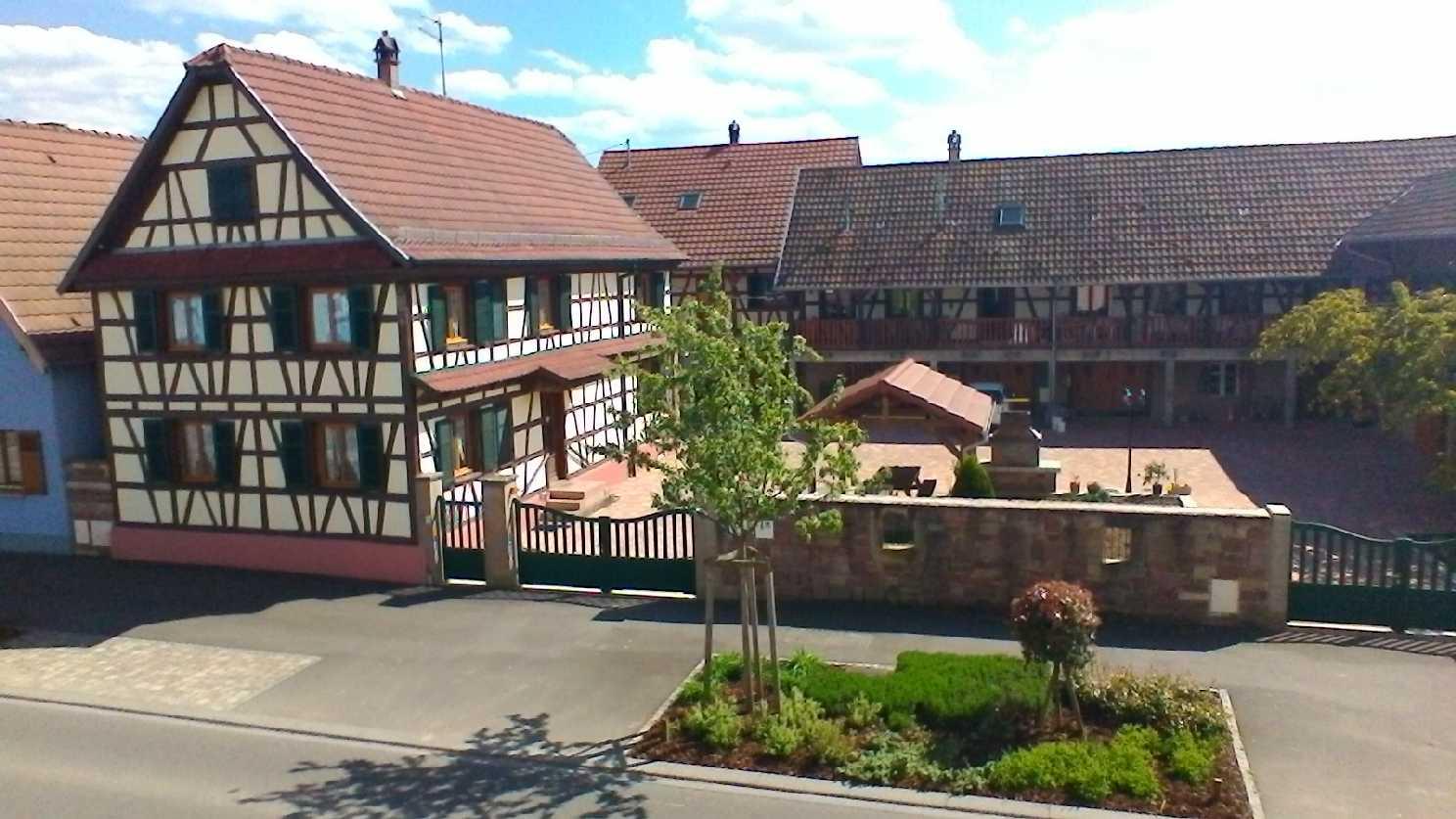 Maison alsacienne krauffel 4 6 8 personnes for Gite 7 chambres