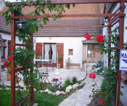 Vacances A De Saran Loiret Gîtes Chambres Dhôte Location