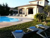 Location gîte, chambres d'hotes villa calme et confort à Saint-Raphaël dans le département Var 83