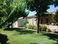 Location gîte, chambres d'hotes villa de 120m2 avec piscine à louer dans le département Vaucluse 84