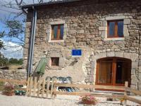 Location gîte, chambres d'hotes Gite de charme La Rotille Haute Loire dans le département Haute loire 43