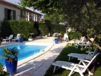 Location gîte, chambres d'hotes GITES EN PROVENCE dans le département Bouches du rhône 13