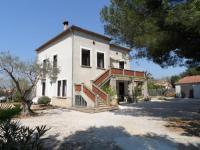 Location gîte, chambres d'hotes Grand F2 dans Villa pour 6 personnes SIX FOURS LES PLAGES dans le département Var 83